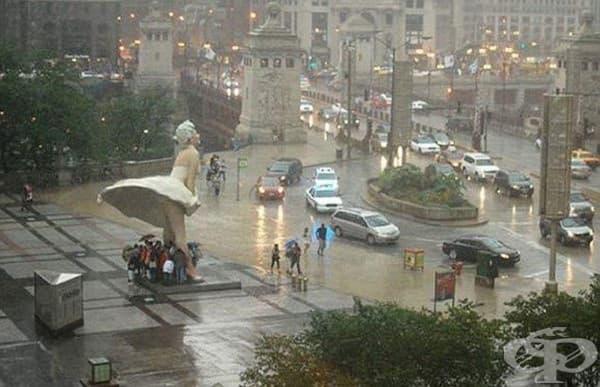 Типичният дъждовен ден в Чикаго, САЩ