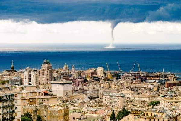 Торнадо в Геноа, Италия