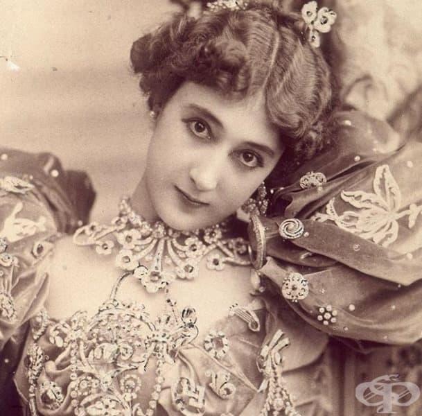 """Известна като """"La Belle"""", френска танцьорка и певица, популярна сред кралските особи в много страни."""