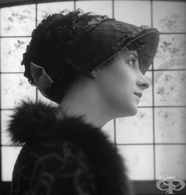 Музикалната и мълчалива актриса, която произлиза от старо английско семейство.