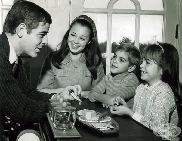 7-годишният Джордж Клуни със семейството си, 1968 г.