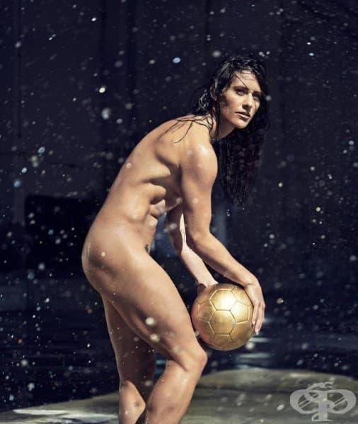 Али Крийгер, футбол