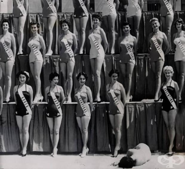 На конкурса Мис Вселена в Лонг Бийч Мис Нова Зеландия припада. 15 юли, 1954 г.