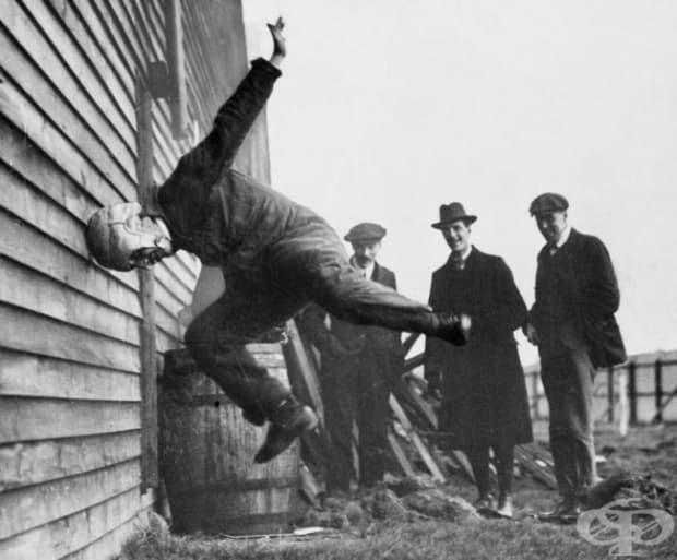 Тестване на каска за ръгби, 1912 г.