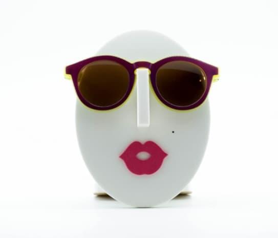Поставка за очила