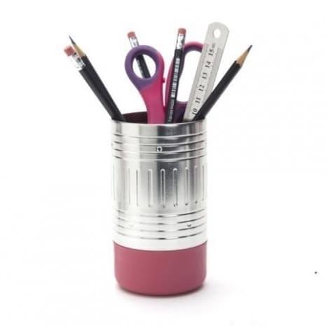 Моливник, който прилича на молив