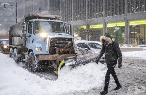 Снегорините работят с пълния си капацитет.