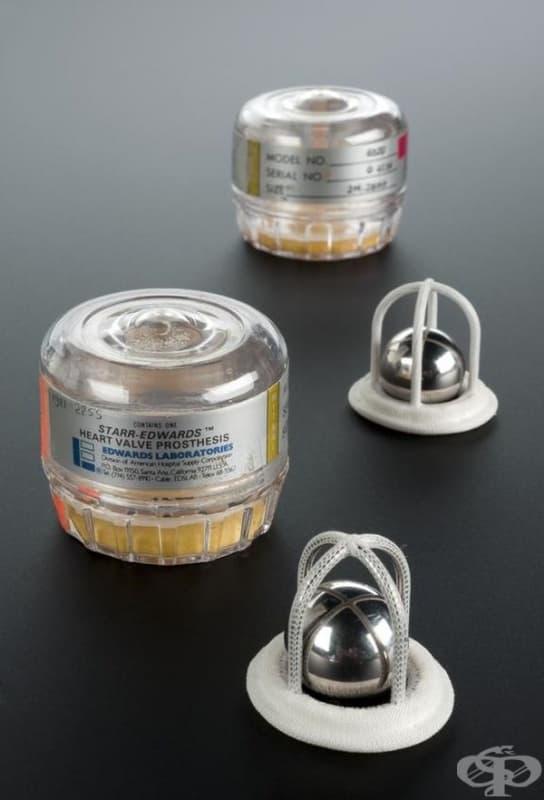 """Изкуствени митрални клапи, създадени от компания """"American Edwards Laboratories."""""""