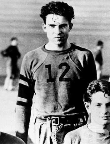 """Ричард Никсън - член на футболната асоциация на колеж """"Уиттие"""" в Уиттие, Калифорния, 1930 г."""