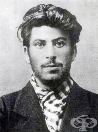 Йосиф Сталин като млад мъж, 1902 г.