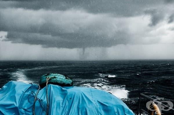 Тайфун в сърцето на морето