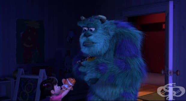 """Немо се появява като играчката на момиченцето от """"Таласъми ООД"""", две години преди да излезе """"В търсенето на Немо""""."""