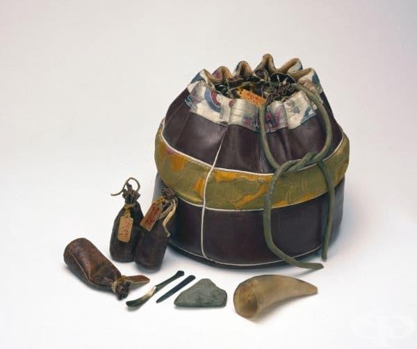 Тибетска медицинска чанта от 1983г.