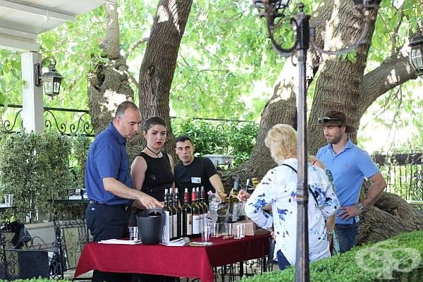"""Фото обиколка на Дефиле """"Вино и гурме"""" - винено-кулинарна празничност, умело съчетана с история, култура и традиции"""