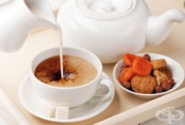 Великобритания - Британците добавят мляко към черния чай, за да получат кремообразна текстура.