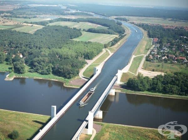 """Водният мост """"Магдебург"""", Германия."""