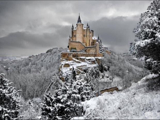 Алказар Сеговия, Испания