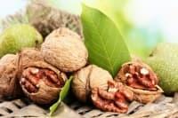 Една шепа ядки понижава риска от сърдечни заболявания с близо 30 процента