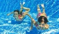 Забраната за уриниране в басейните може да спаси здравето ви