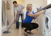 Почистването на дома гори калории колкото фитнеса