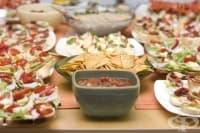 Прекомерният прием на храна предизвиква инфекции