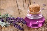 Лавандулово масло облекчава болка в ставите и заздравява кожата