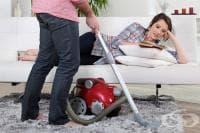 Мъжете, помагащи в домакинството, се радват на по-добър секс