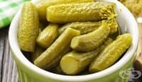 Сокът от кисели краставички помага срещу мускулна треска и махмурлук