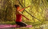 Йогата помага за облекчаване на физическите и психологичните проблеми при хора с паркинсон