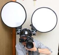 Фотограф използва необичаен аксесоар за осветление и доказва, че японците не са като всички останали