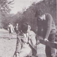 """Илюстрации от главата """"Отношение на подрастващите към другарската, семейната и обществената среда"""" на книгата """"Пол, брак и семейство"""", издадена през 1973"""