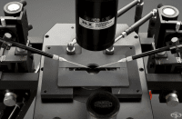 Микроскоп от 1994 година, подпомагащ оплождането  ин-витро