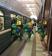 25 странни пътници от метрото, които ще освежат и най-скучното пътуване