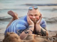 Фотограф създава забавен проект с типични плажни снимки, в които много дами ще се разпознаят