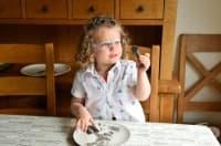 3-годишно момиченце със собствен Youtube канал за научни експерименти
