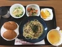 Рибни и месни блюда – болничната храна на една родилка в Япония