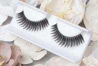 11 трика за всички, които обичат да носят изкуствени мигли
