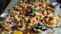 В Киргизстан почитат паметта на мъртвите със свещен пържен хляб