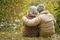 След 61 години брак: Съпруг и съпруга умират от естествена смърт с няколко часа разлика