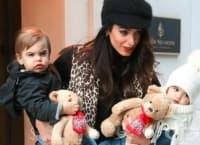 Съпругата на Джордж Клуни показа близнаците Елза и Александър