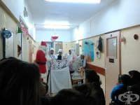 """Коледно шоу за малките пациенти на  МБАЛ """"Света Анна"""" във Варна"""