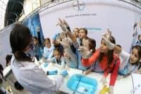 """Научната лаборатория за деца на Байер отвори врати в Националния музей """"Земята и хората"""" за трета поредна година"""