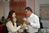 Коледни помощи за деца с увреждания и сираци в общ. Марица