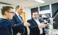 Родни и немски специалисти ще участват в съвместни проучвания за лазерите в пародонтологията