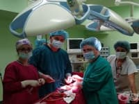 Отстраниха 8-килограмова туморна формация от корема на жена
