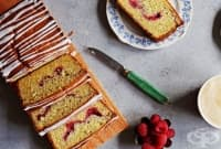 Малинов кекс с маково семе и лимон