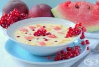 Плодова супа с червен касис, диня и праскови