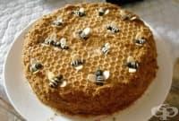 Медена торта с тахан и бисквити
