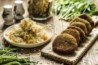 Овесени кюфтета с картофи и чесън