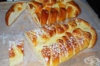 Баница с крема сирене и сушени кайсии